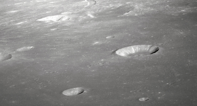0124-1009-2513-4630_craters_of_the_moon_rima_ariadaeus_on_the_moon_from_apollo_10_lunar_orbit_o